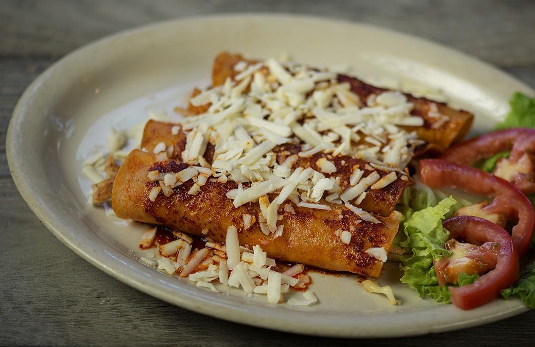 Enchiladas con queso Cotija